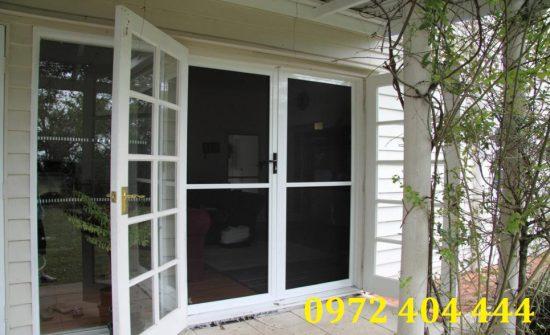 Cửa lưới chống muỗi làm đẹp và bảo vệ ngôi nhà của bạn