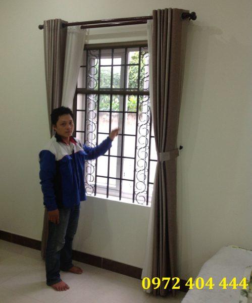 Lắp cửa lưới tự cuốn cho cửa sổ
